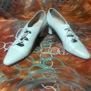 Ann Taylor Lace Up Shoe